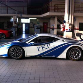 Car wrapping Ferrari